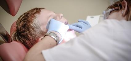 Dbanie o zęby należy rozpocząć jak najwcześniej